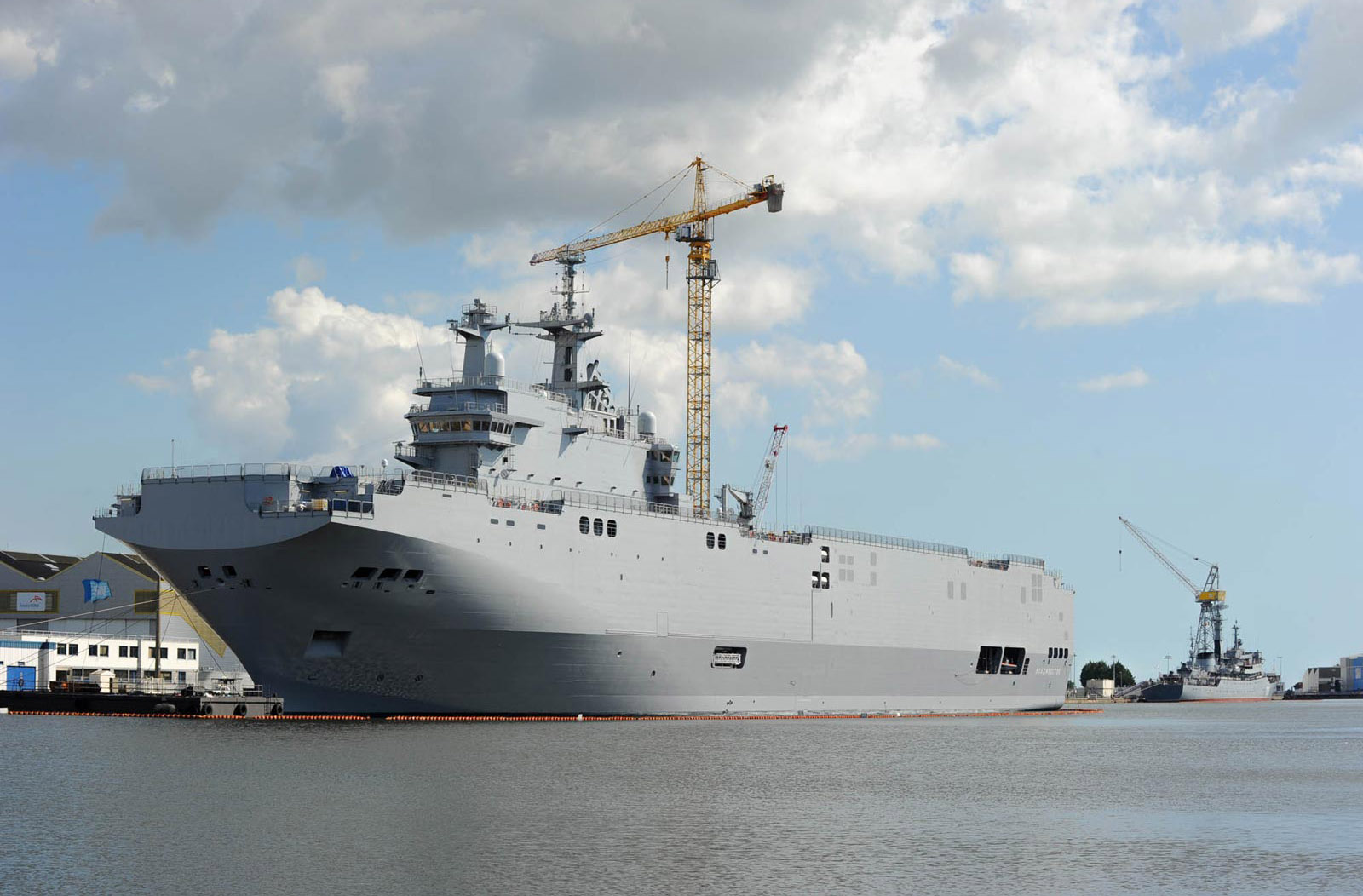 http://webdoc.france24.com/mistral-france-russia-warships-saint-nazaire/img/mehdi/Diapo_Mistral_HR_04.jpg